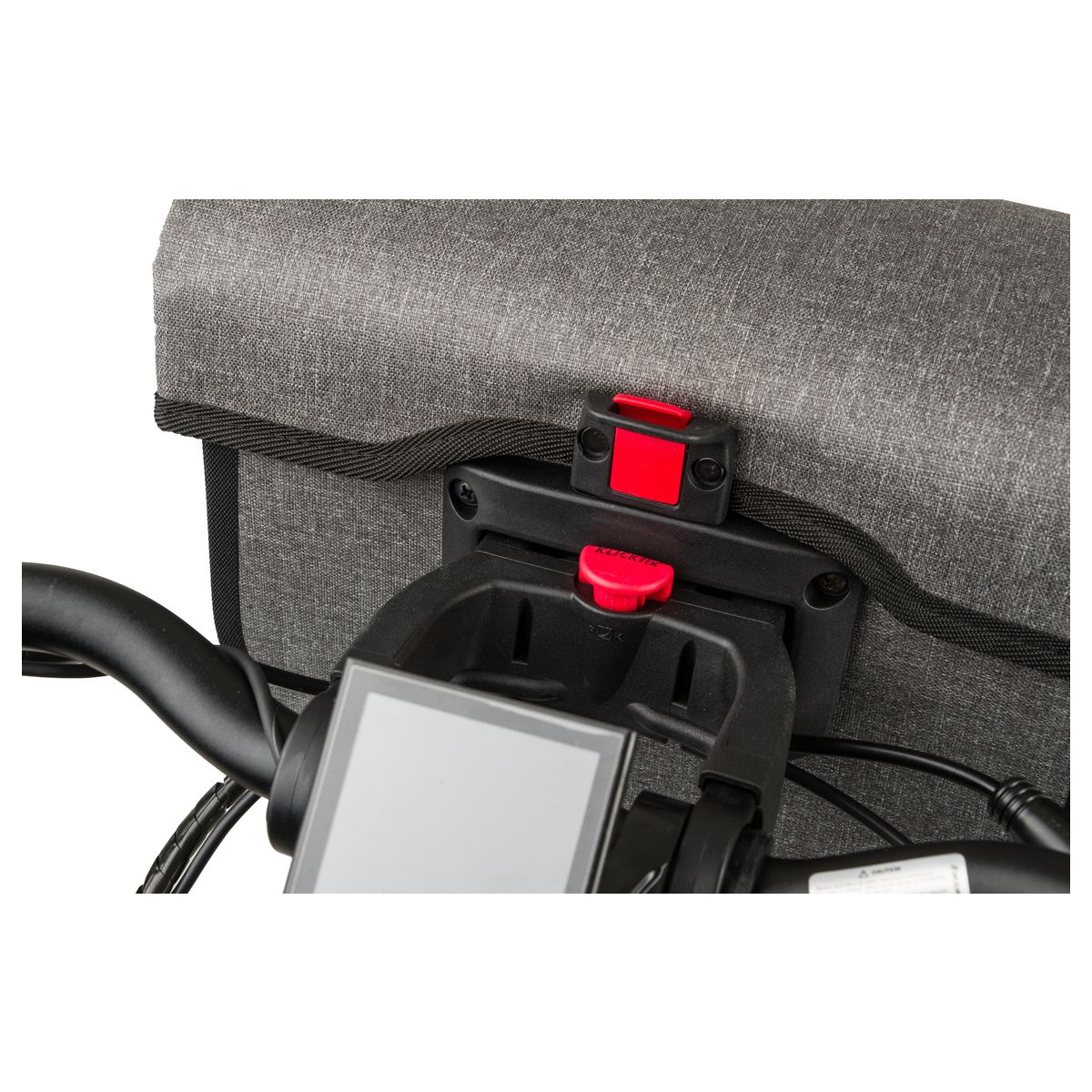 Tech Handlebar Bag Shelter Large fit example