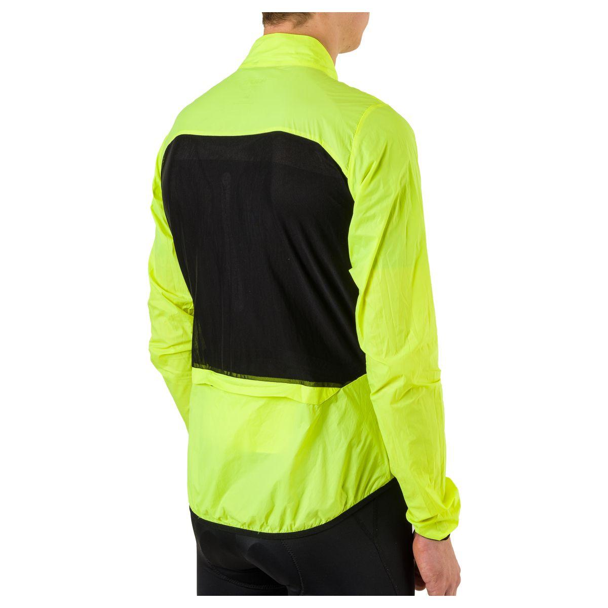 Wind Jacket II Essential Men fit example