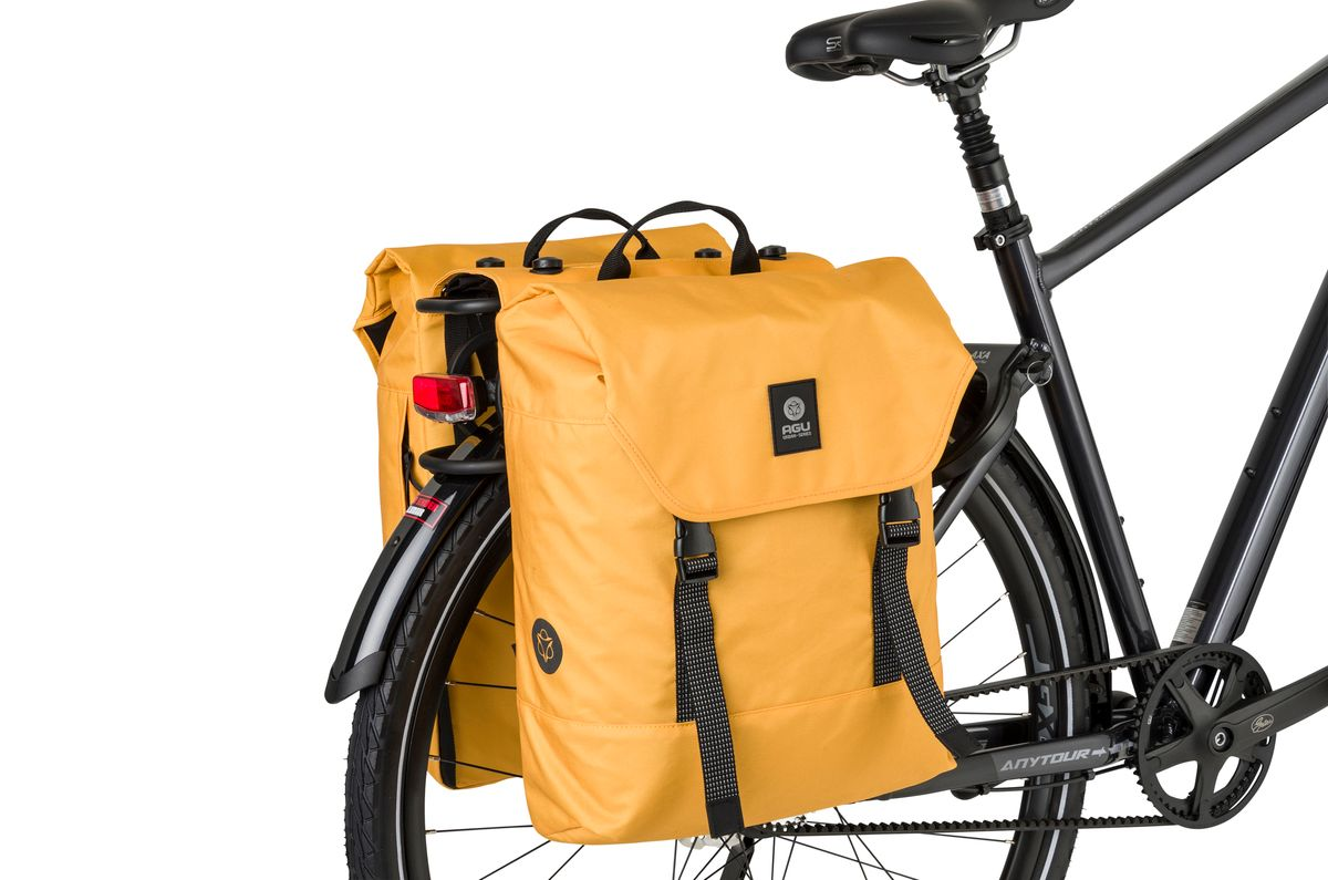 Double Bike Bag Urban DWR fit example