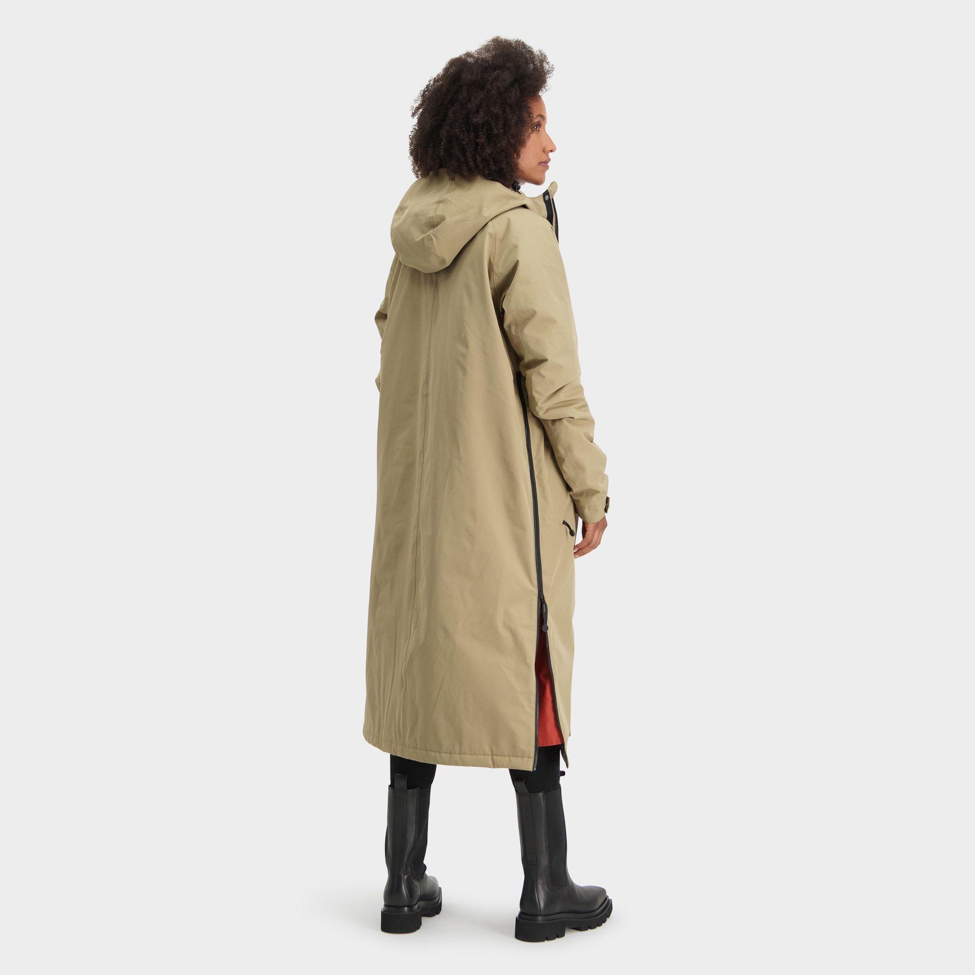 Winter City Slicker Rain Jacket Urban Outdoor fit example